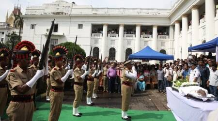 Somnath Chatterjee, who died of multiple-organ failure at a city hospital this morning, was given a gun salute by the state at the West Bengal Assembly. (Express photo)