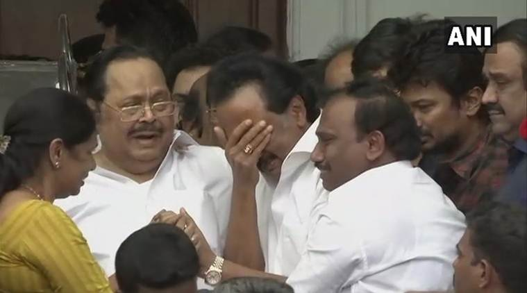 MK Stalin, Karunanidhi, Stalin cries, Karunanidhi death, Karunanidhi passes away, Tamil Nadu, rajajaji hall, Marina beach, India news, Madras HV order, Indian express
