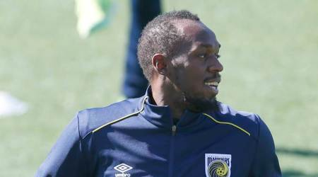 Birthday boy Usain Bolt eases into Mariners training