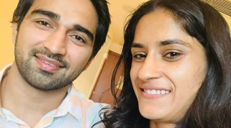 After Asian Games gold, Vinesh Phogat gets engaged outside Delhiairport