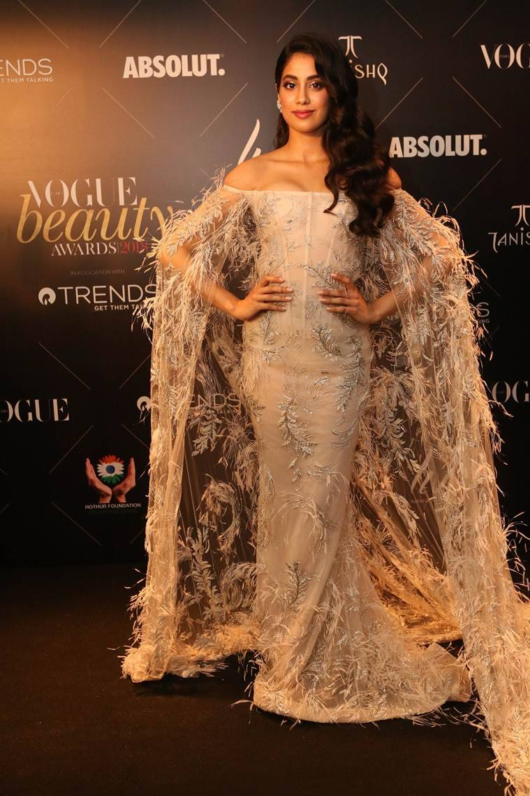 janhvi kapoor at vogue beauty awards