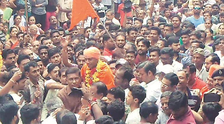 Ajmed blast accused Bhavesh Patel welcomed in Bharuch on his return from prison