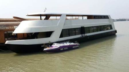 What is Alaknanda luxury cruise tourist boat?