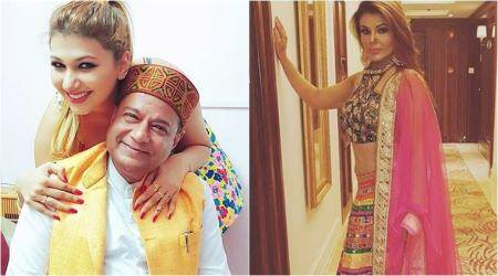 Rakhi Sawant mocks Anup Jalota and Jasleen Matharu's relationship