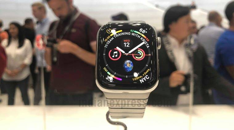 Apple Watch Series 4 comes inside a microfibre pouch, detached from its bands: Watchvideo
