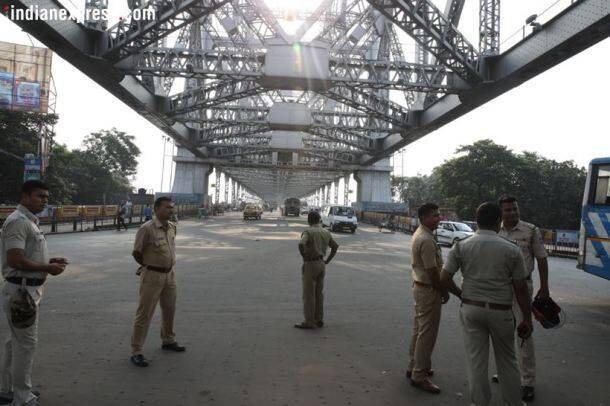 West Bengal bandh: Protesters vandalise buses, halt trains