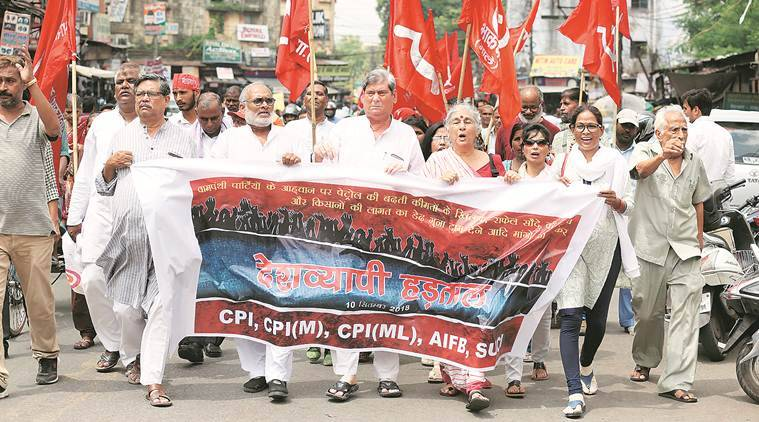 Some clashes, largely peaceful and a few hold-ups during Bharat bandh