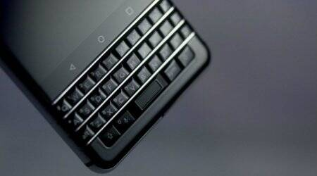 Facebook accuses BlackBerry of stealing voice-messaging technology