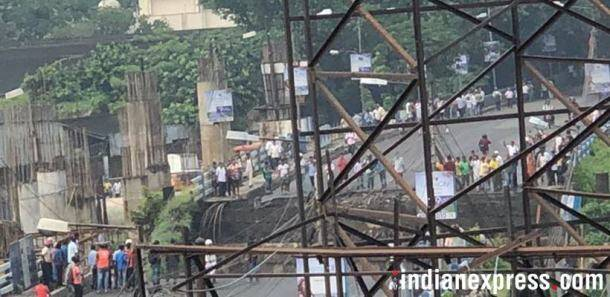 Majerhat bridge collapse, kolkata bridge collapse, bridge collapse in kolkata, west bengal bridge collapse, majerhat bridge collapse photos
