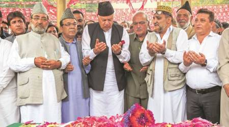Article 35A: Farooq Abdullah threatens to boycott assembly, Lok Sabha polls