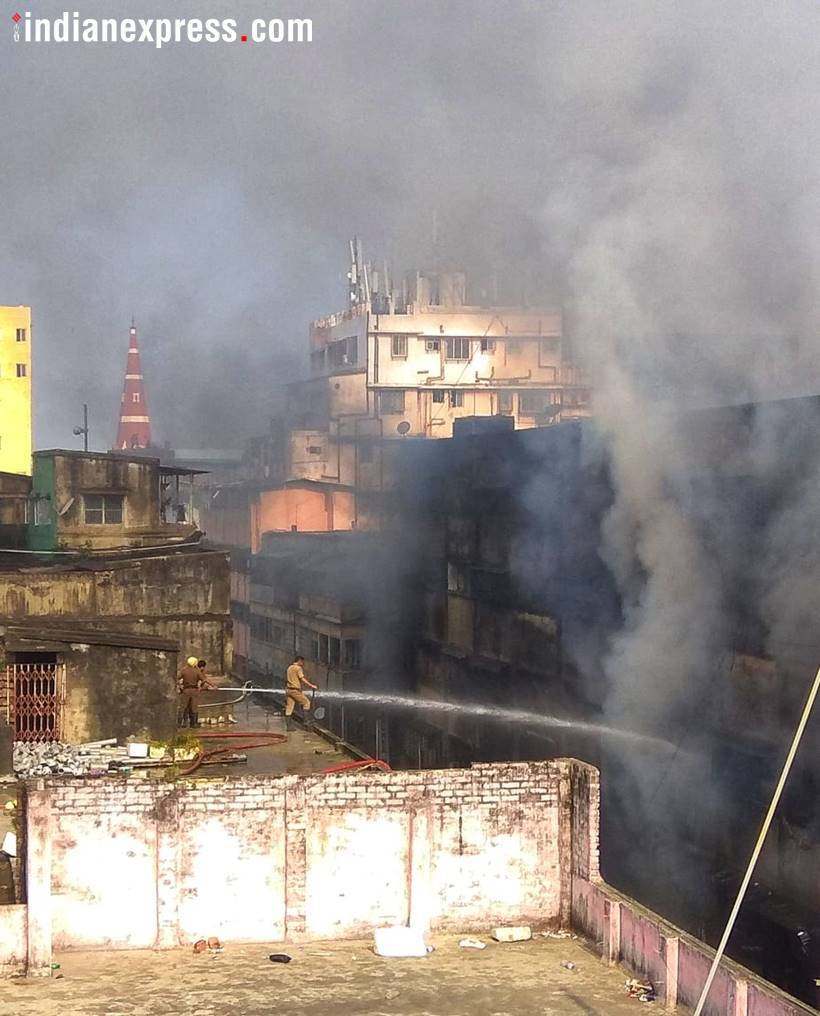 A day later, fire at Kolkata's Bagree Market yet to be contained