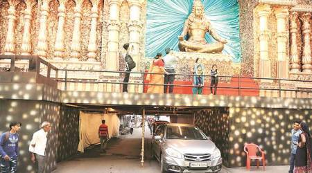 In Borivali, pandal built over subway near station to avoid traffic congestion
