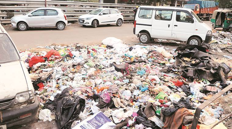 garbage collectors strike continues 40 officials of mc sanitation