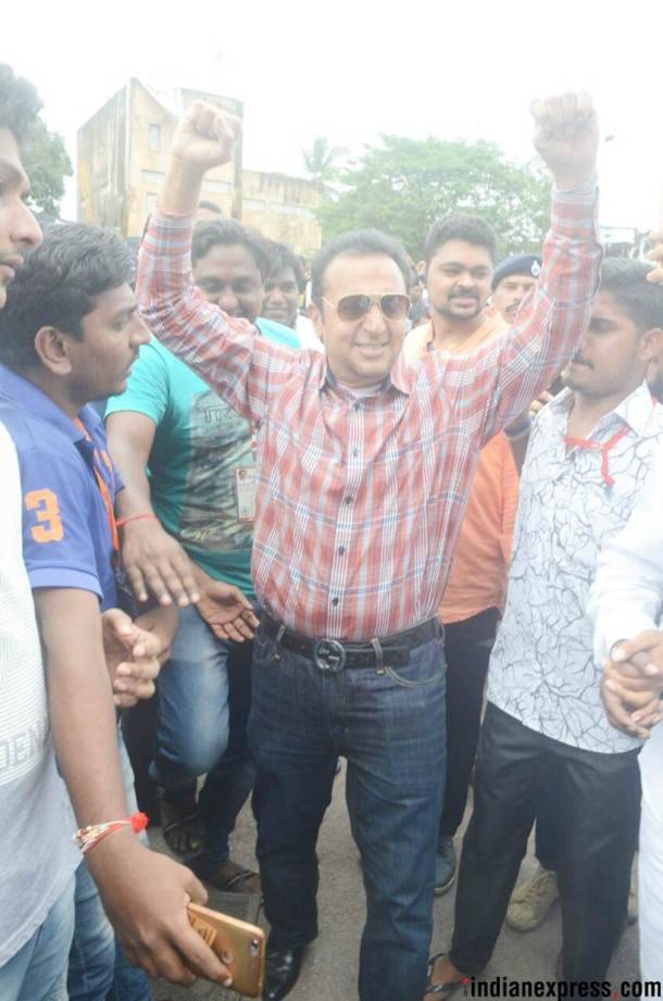 Gulshan Grover celebrated Janmashtami with fans