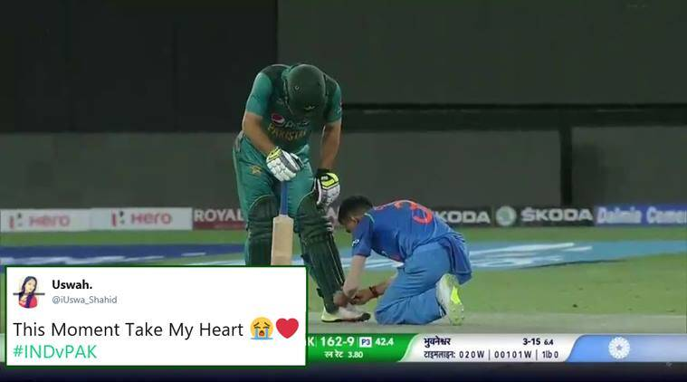 This photo of Yuzvendra Chahal tying shoelaces of Usman Khan is winning hearts in both India and Pakistan