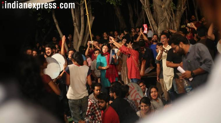 Second night of tension in JNU, counting delayed, police at gate