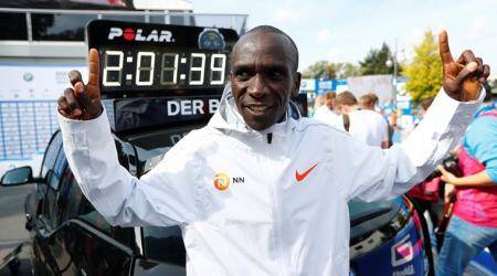 Kenyan Eliud Kipchoge shatters marathon world record in Berlin