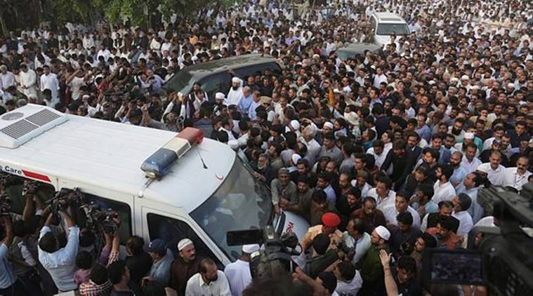 Nawaz Sharif, his daughter and son-in-law granted parole, reach Lahore to attend Kulsoom's funeral