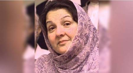 Nawaz Sharif's wife Kulsoom laid to rest
