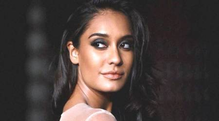 Not sure what a quintessential Bollywood heroine is: LisaHaydon