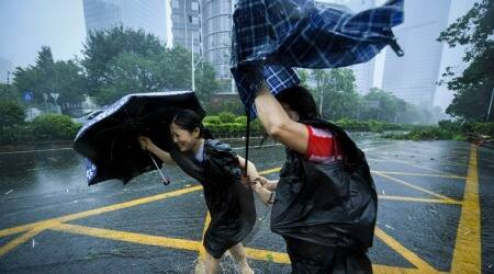 TyphoonMangkhut slams into China after pummellingPhilippines