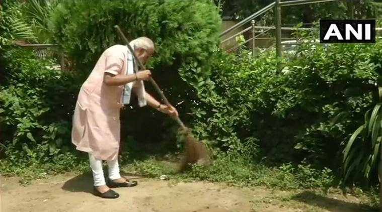 Narendra Modi, Swachhata Hi sewa, Pm Modi, Swachhata Hi sewa, movement, clean india, Swachh Bharat abhiyaan, India news, Indian express news