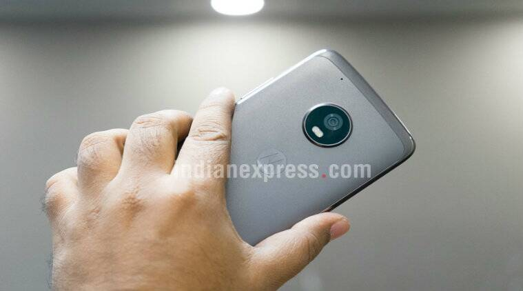 Moto G5 and G5 Plus have finally started to receive Android