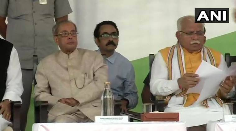 Former president Pranab Mukherjee and Haryana Chief Minister Manohar Lal Khattar at the event in Gurugram on Sunday. (ANI)