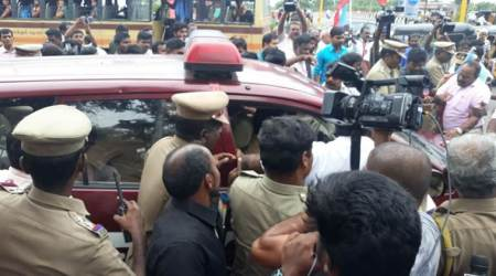 'BJP lawyer' arrested for throwing shoes at Periyar statue inChennai