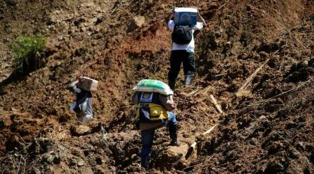 Philippines: Landslide kills 12, dozens feared trapped