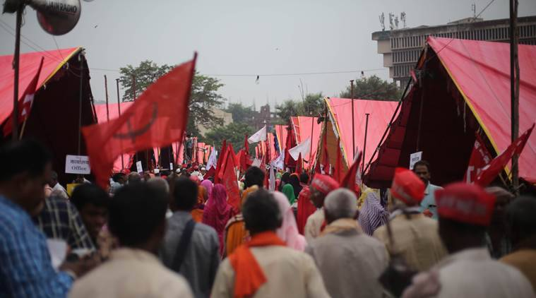 Farmers' march to Delhi: Photographers, lawyers and students mobilise support