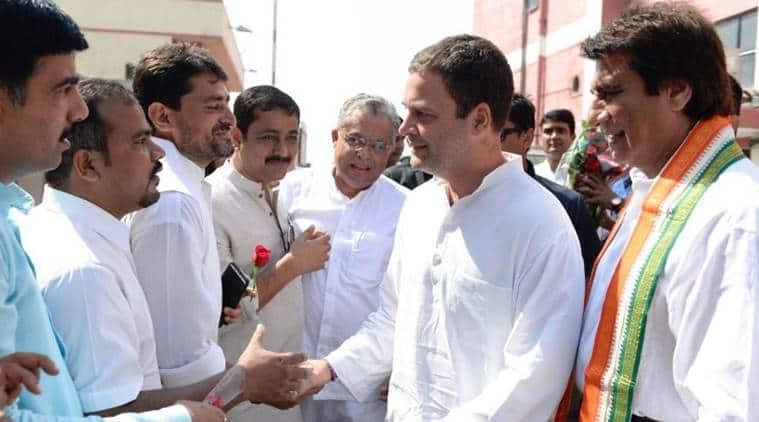In Amethi, 'Shiv Bhakt' Rahul Gandhi slams Modi govt on Rafale; BJP reminds him 'saffron terrorism' remark