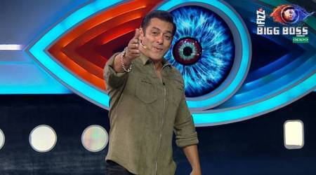 Bigg Boss 12 Weekend Ka Vaar episode LIVE UPDATES: Varun Dhawan descends on Salman Khan's show