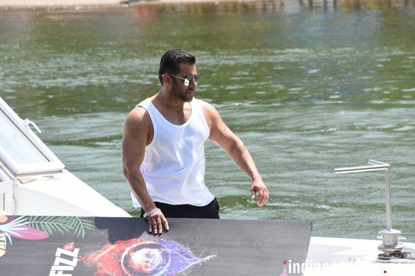 salman khan launches bigg boss 12
