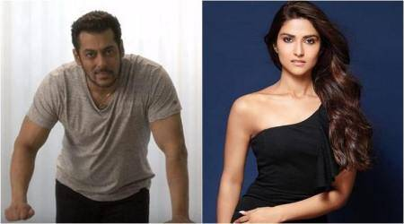 salman khan intorduces nutan granddaughter
