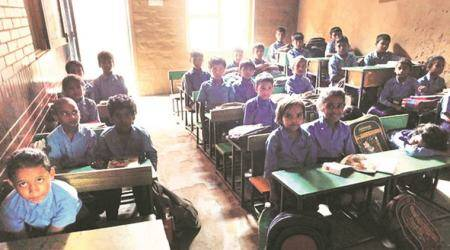 Delhi: AAP, Congress lash out over Gayatri Mantra at schools