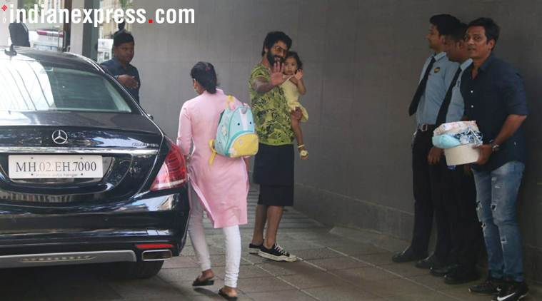 shahid kapoor and misha visit the hospital