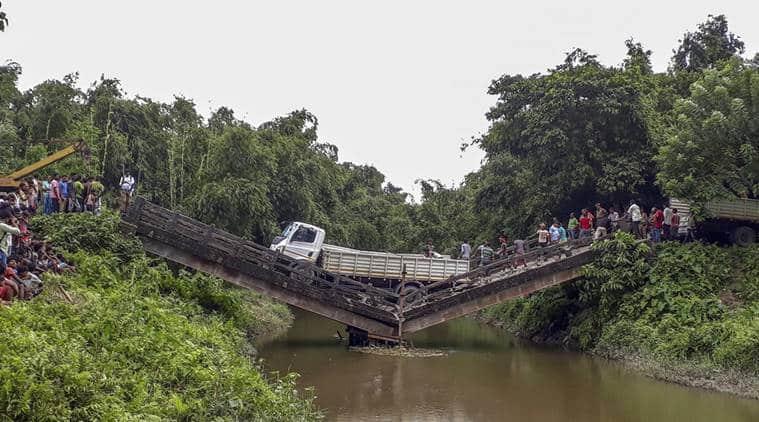 Close to Bangladesh border: Bridge collapses in Siliguri, one injured