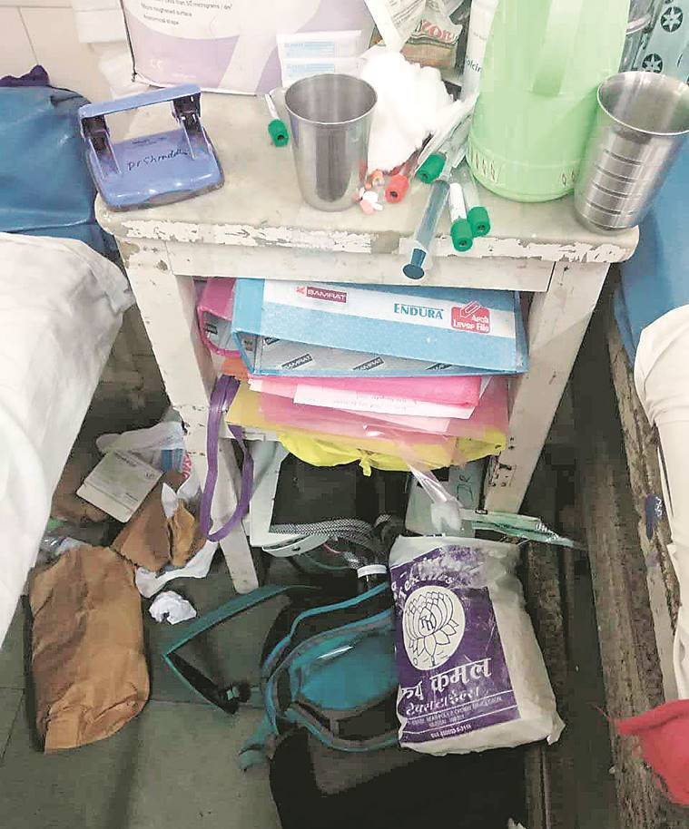 Mumbai: Patients complain of cockroaches at Sion hospital wards, fear infection