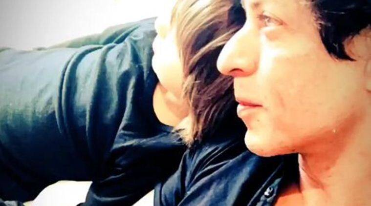 shah rukh khan abram photos