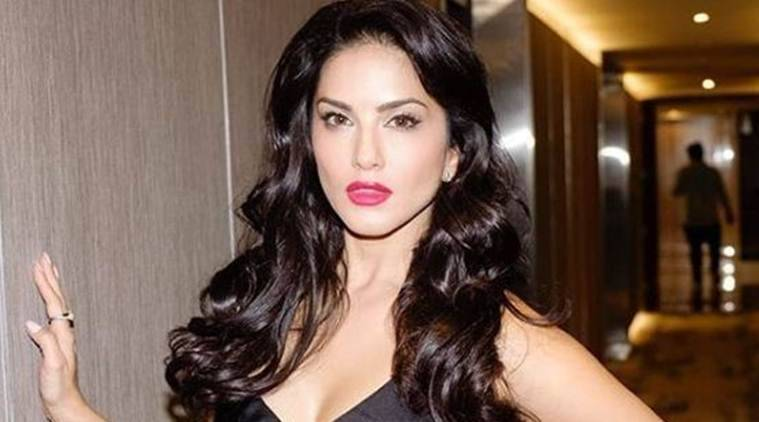 Sunny Leone thanks Bengaluru police; stages maiden performance amid threats