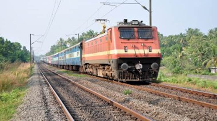 UP: Three gangmen run over by train between Sanda, Umartali stations