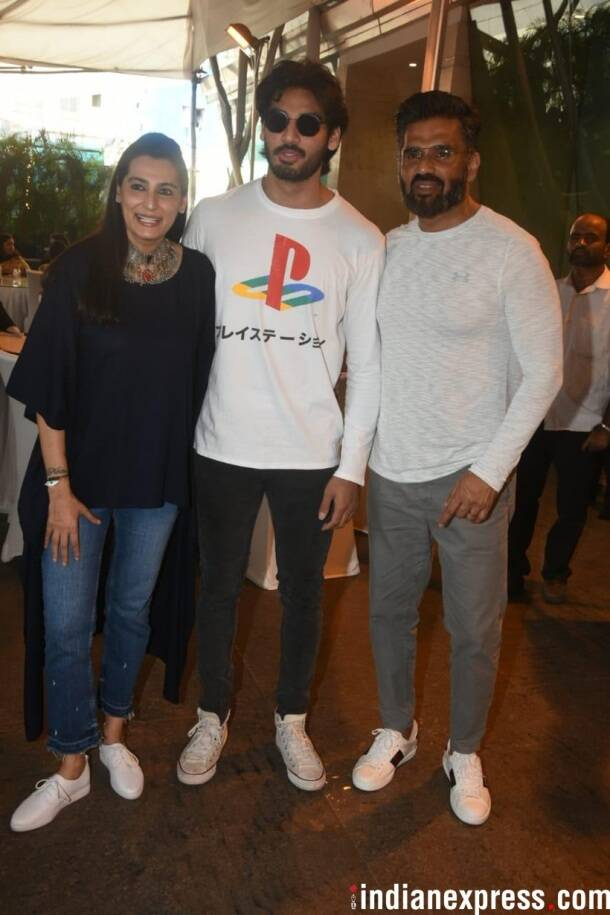 Sunel Shetty with son Ahaan Shetty and wife Mana Shetty