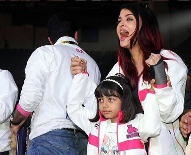 Abhishek Bachchan Aishwarya Rai Aaradhya cheer Pro Kabaddi League Pink Panthers photos