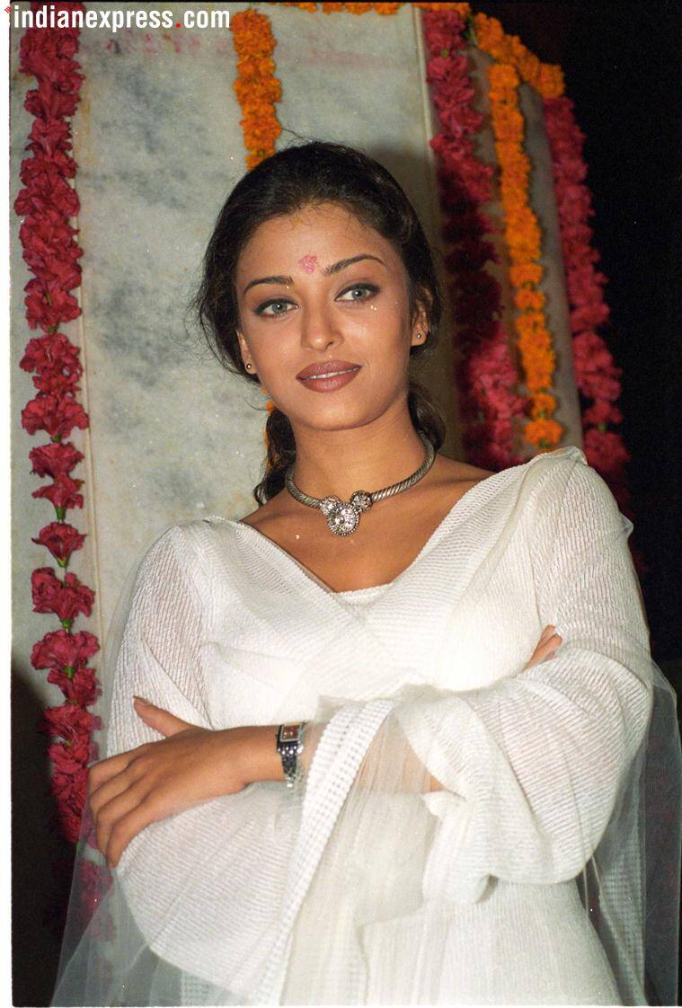 Happy Birthday Aishwarya Rai Bachchan: Rare photos of the ...