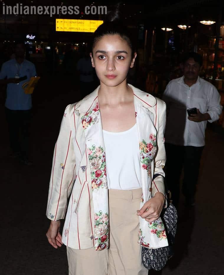 Alia Bhatt airport looks, Alia bhatt movies, sonam kapoor