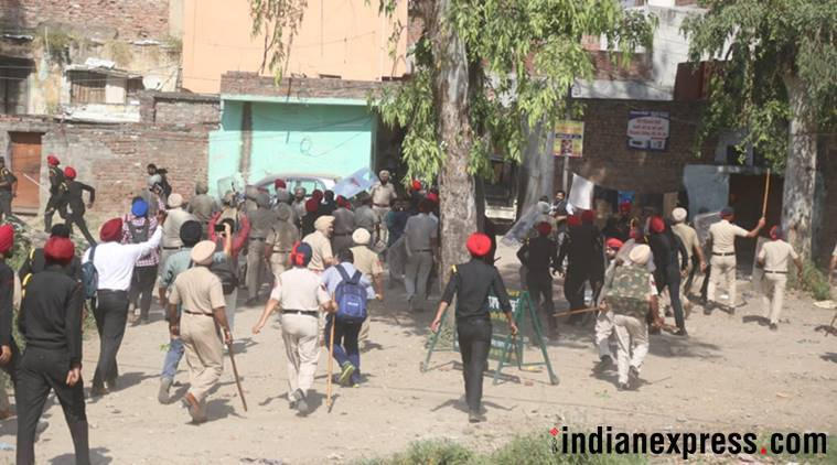 Police crackdown on protesters pelting stones on Sunday. (Express photo/Sahil Walia)