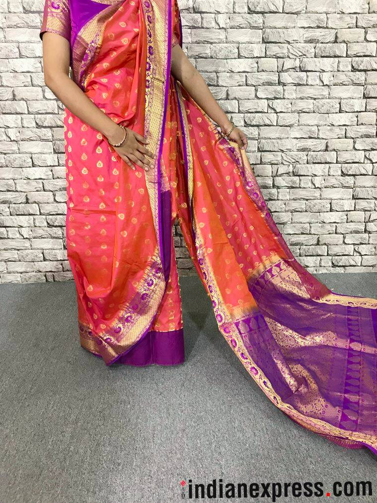 how wear a bengali sari, how to wear an atpoure sari, how to drape a bengali sari, bengai sari, atpoure sari, how to wear a sari, how to drape a sari, step by step of wearing a sari, indian express, indian express news