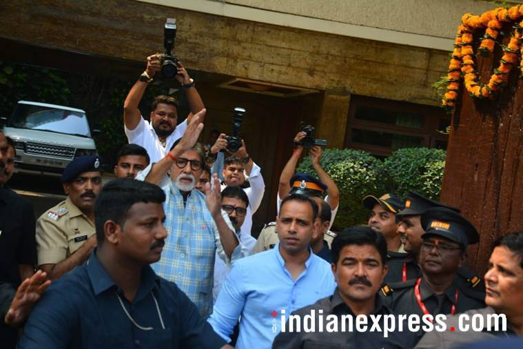 amitabh bachchan at his residence