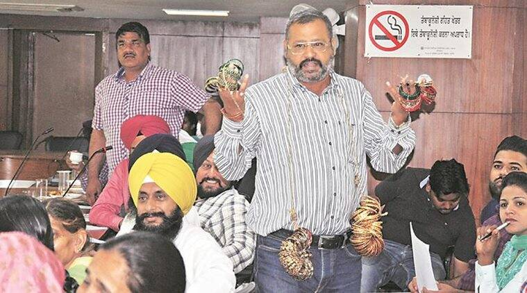 Chandigarh: BJP councillor enters House wearing garland of bangles to protest against lack of development